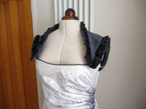 Ruffled shoulders